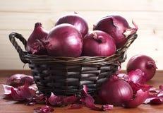 A salada da cebola, vermelho é um close-up fotografia de stock royalty free