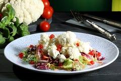 Salada da couve-flor com bagas Imagem de Stock