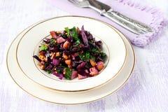 Salada da couve vermelha e do espinafre Imagens de Stock Royalty Free