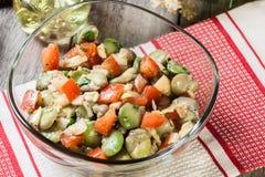 Salada da fava com tomates fotografia de stock royalty free
