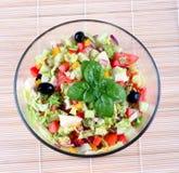 Salada da mistura em uma bacia Fotografia de Stock