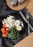 Salada da mistura em uma placa Imagens de Stock