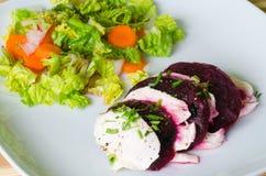 Salada da mussarela e das beterrabas Fotos de Stock