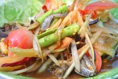 Salada da papaia com caranguejo, alimento tradicional Tailândia imagens de stock