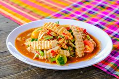 Salada da papaia de Tam Vietnamese Pork Sausage Spicy do som foto de stock