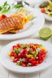 Salada da salsa com queijo grelhado Imagens de Stock