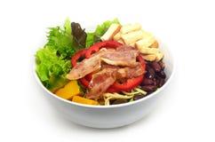 Salada da tabela com bacon Imagens de Stock Royalty Free