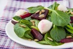 Salada das beterrabas com mussarela Foto de Stock Royalty Free
