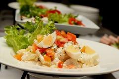 Salada de batatas com ovos cozidos Imagens de Stock Royalty Free