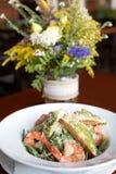 Salada de Caesar com prowns Imagem de Stock Royalty Free