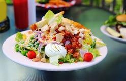 Salada de Cobb da galinha Fotos de Stock