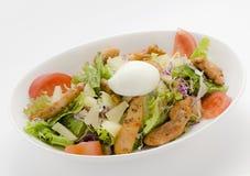 Salada de frango com ovo Fotos de Stock