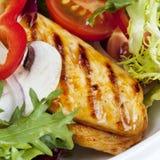 Salada de frango morna fotos de stock royalty free