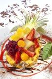 Salada de fruta no abacaxi imagem de stock royalty free