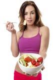 Salada de fruto moreno bonita comer foto de stock