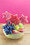 A salada de fruto original saudável serviu em um melão fresco Fotos de Stock Royalty Free