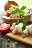Salada de legumes frescos Foto de Stock