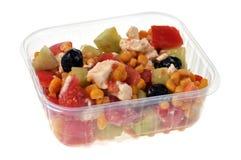 Salada de Nicoise em uma bandeja transparente imagem de stock royalty free