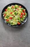 Salada de Risoni com brotos e vegetarianos Fotos de Stock