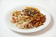 Salada de tipos diferentes dos cogumelos, fim acima Imagem de Stock Royalty Free