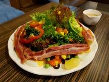 Salada do bacon Fotos de Stock Royalty Free