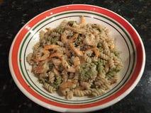 Salada do camarão da massa Fotos de Stock