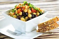Salada do grão-de-bico do vegetariano imagens de stock royalty free