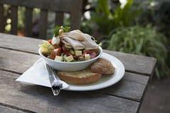 Salada do jardim com Rye Fotografia de Stock
