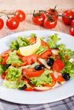 Salada do legume fresco na tabela de madeira Foto de Stock Royalty Free
