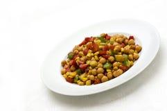Salada do Oriente Médio do grão-de-bico imagens de stock