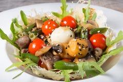 Salada do ovo de codorniz imagem de stock