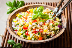 Salada do Quinoa
