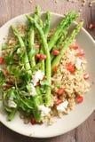 Salada do Quinoa e do aspargo Imagens de Stock Royalty Free