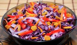 Salada do repolho azul imagem de stock