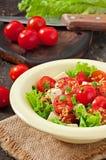 Salada do tomate com alface, queijo Fotos de Stock