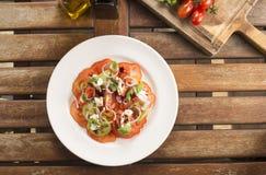Salada do tomate da herança imagem de stock
