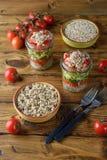 Salada do vegetariano com quinoa e abacate Imagens de Stock Royalty Free