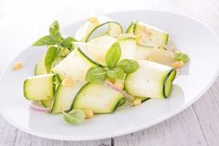 Salada dos abobrinhas Foto de Stock Royalty Free