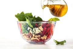 Salada dos espinafres na bacia Fotografia de Stock