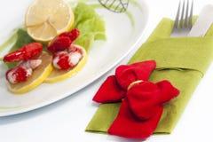 Salada e limão do camarão Fotos de Stock