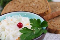 Salada e pão preto Imagens de Stock Royalty Free