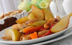 Salada e peras de galinha Foto de Stock