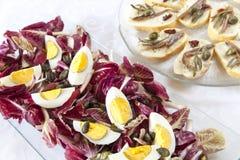 Salada e petiscos orgânicos Fotografia de Stock