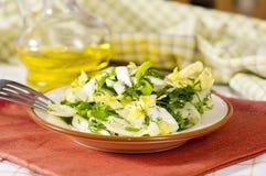 Salada fresca com verdes Fotos de Stock