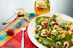 Salada fresca do espinafre Imagens de Stock Royalty Free