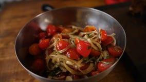 Salada fresca do tomate e da cebola fotos de stock