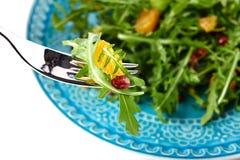 Salada fresca na bacia Foto de Stock