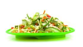 Salada fresca verde da alface na placa foto de stock