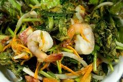 Salada fritada do camarão dos abicans de Sauropus Fotos de Stock Royalty Free