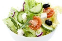 Salada grega em uma bacia de acima Imagens de Stock